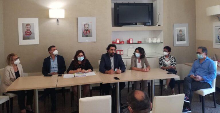 Teramo, i medici scendono in campo a favore del nuovo ospedale VIDEO