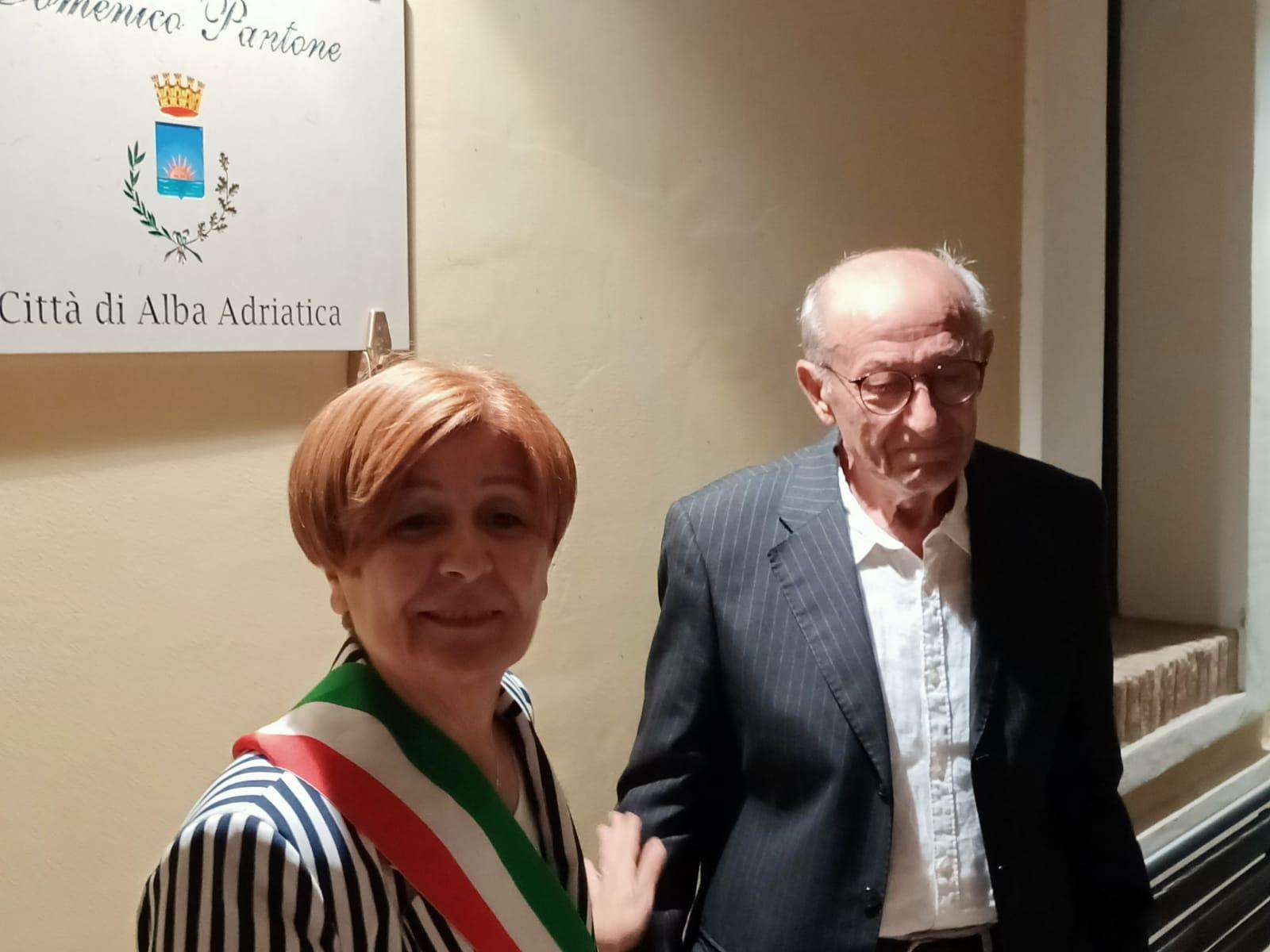 """Alba Adriatica, la biblioteca comunale """"dedicata"""" a Domenico Pantone. La cerimonia"""