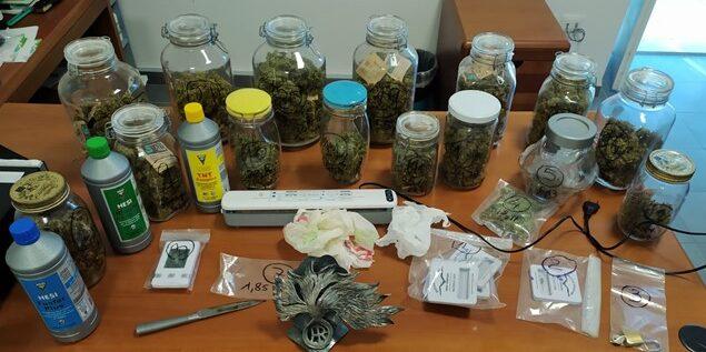 Manoppello, 1 chilo di droga e 5mila euro in camera: arrestato