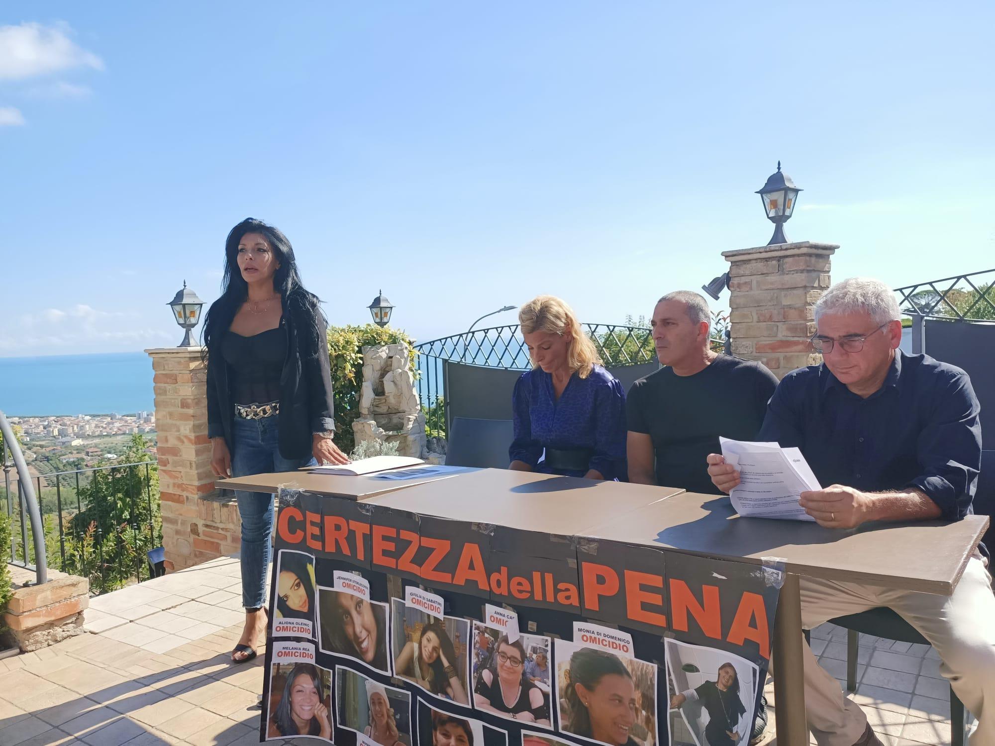 Tortoreto, Giulia Di Sabatino: foto e audio cancellati. Gli elementi per far riaprire l'inchiesta FOTO VIDEO