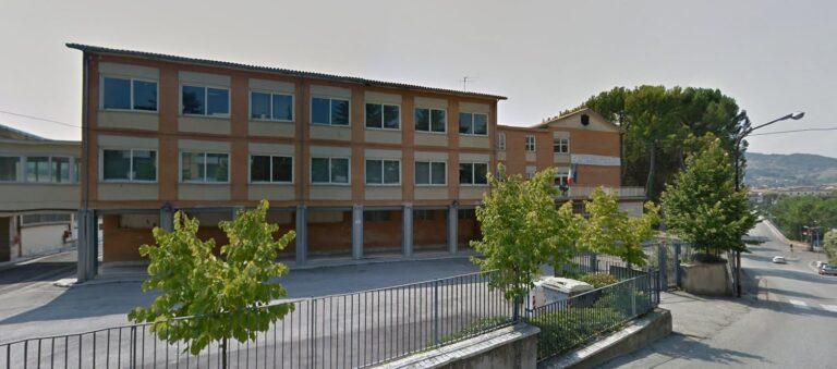 Teramo, Alessandrini-Marino: lettera di protesta di famiglie e docenti