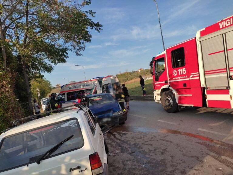 Sant'Omero, tre feriti nel frontale a Villa Ricci FOTO