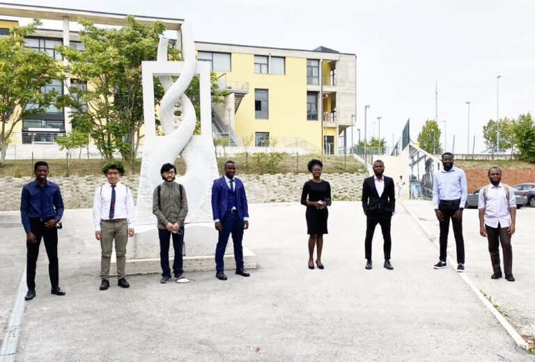Università L'Aquila, primi laureati in modellistica matematica