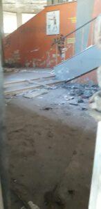 Giulianova, l'ex mercato coperto nel degrado e ritrovo di balordi FOTO