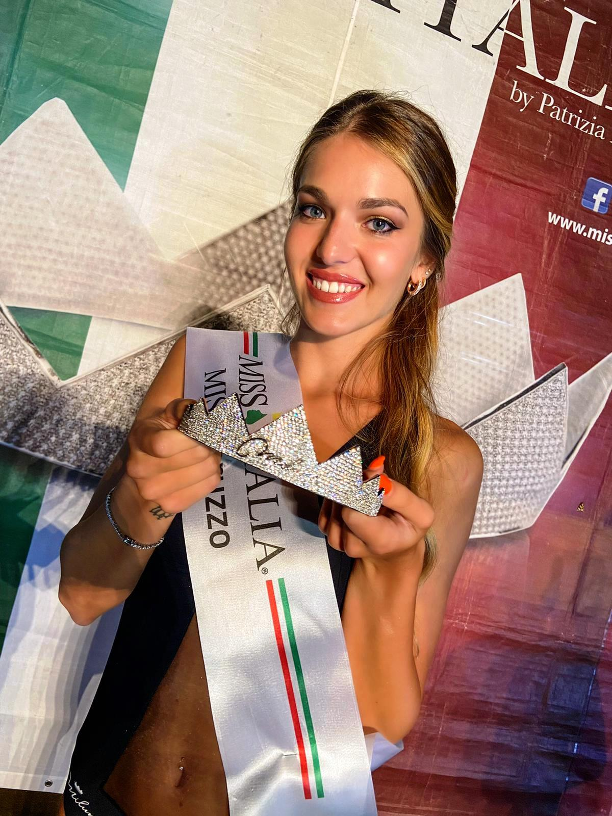 Francesca Casmiri è la nuova Miss Abruzzo: serata finale a Nereto