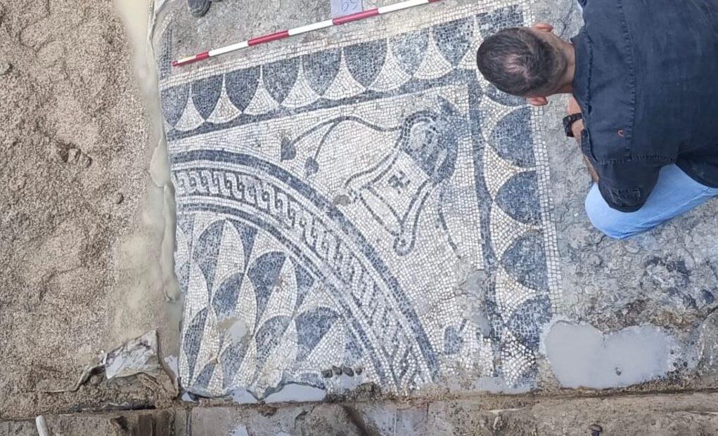 Pescara, il mosaico romano sul lungofiume torna alla luce-FOTO