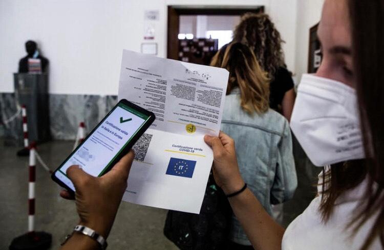 Green pass obbligatorio per tutti i dipendenti pubblici e privati: le novità dal 15 ottobre