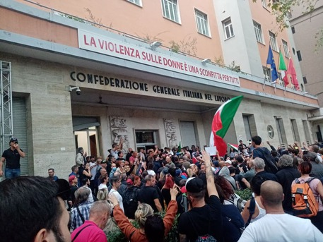 Assalto Cgil, la condanna dei candidati sindaco a Roseto