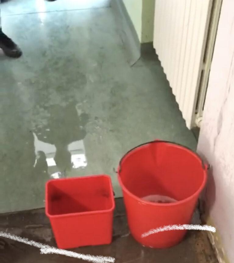 """Atri, in Azione contro il Sindaco: """"La scuola media fa acqua da tutte le parti"""" FOTO"""