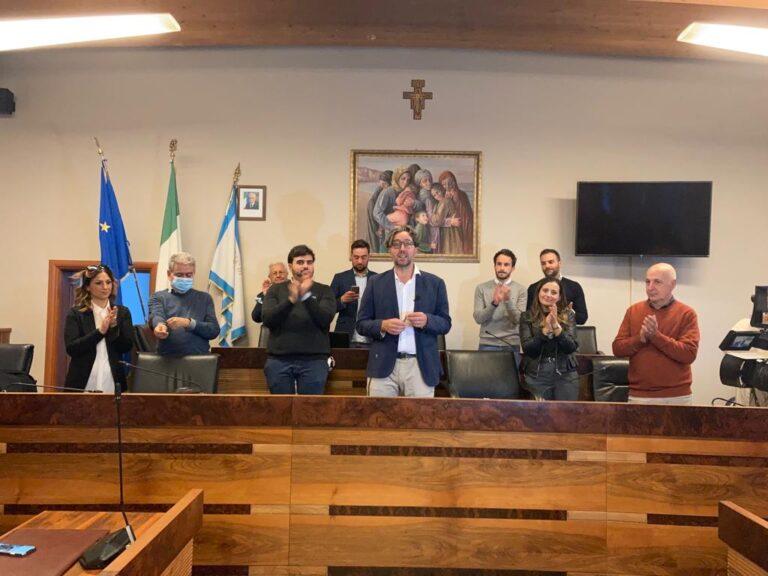 Roseto, Mario Nugnes eletto sindaco: 'subito al lavoro per la città' VIDEO
