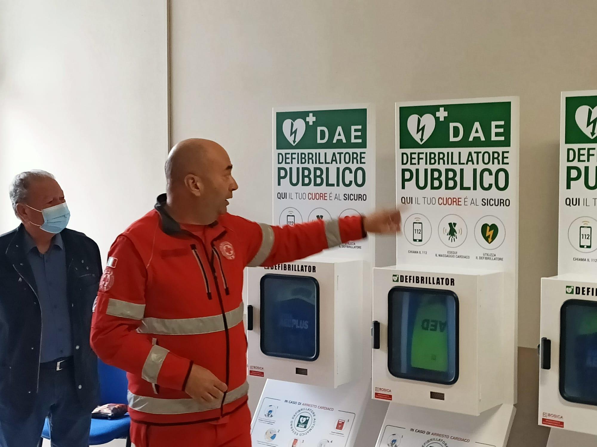 Alba Adriatica cardio-protetta: nove defibrillatori per salvare vite FOTO VIDEO