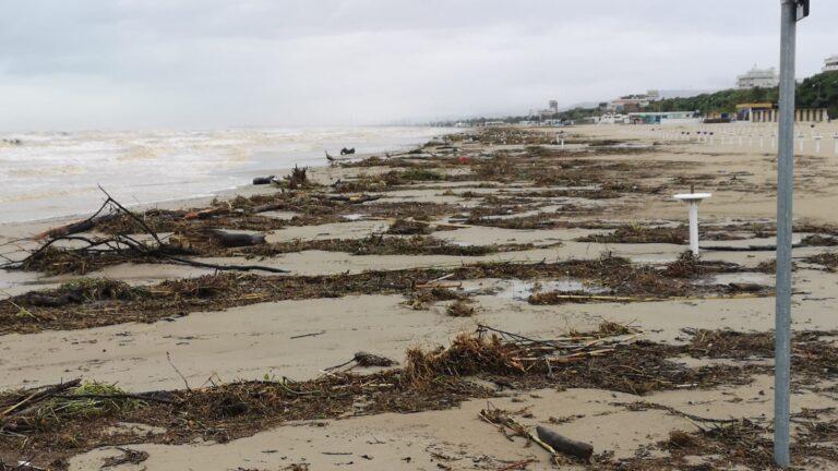 Maltempo sulla costa, Giulianova e Roseto tra le città più colpite