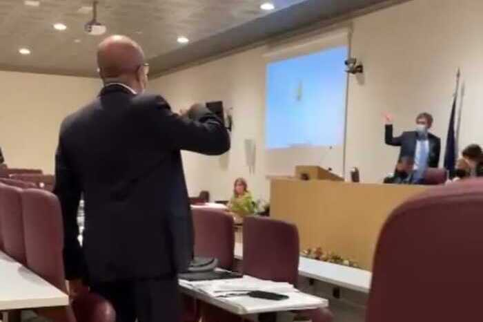 Marsilio arriva in ritardo in Consiglio Regionale: scontro con Pettinari VIDEO