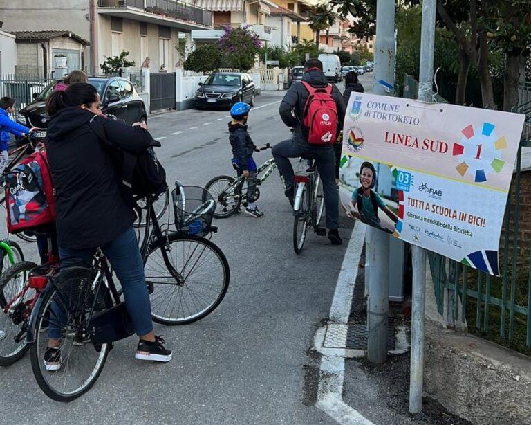 Tortoreto, a scuola in bicicletta: l'iniziativa raccoglie consensi